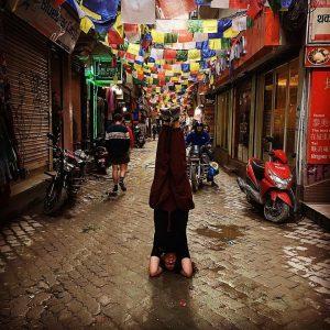 kathmandu shopping headstand